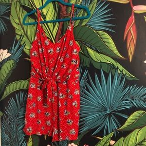 $10 Sale ⭐️ polka dot floral red tie romper soft